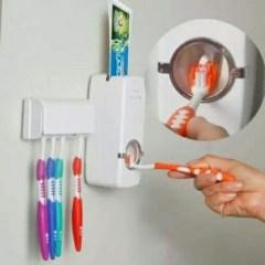Tooth brush holders